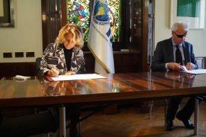 Segretario Generale Antonella Cavallari ed il Direttore dell'ICGEB Lawrence Banks